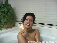 Next Door Mommies: Big breasted latin mom gives handjob tube porn video