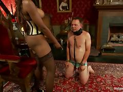Nyomi Banxxx the ebony mistress tortures guy's balls and dick tube porn video