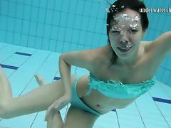 UnderwaterShow Video: Gazel Podvodkova tube porn video