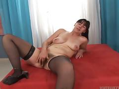 Mature brunette Petka blows and gets her hairy snatch slammed tube porn video