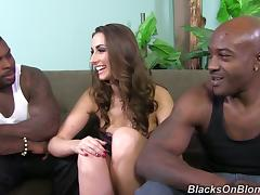 Magnificent Paige Turnah has threesome sex with Blacks tube porn video