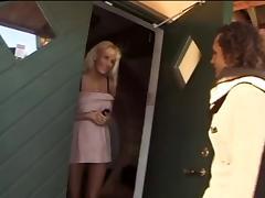 Barbie knaepper i Koekkenet (Fucked in the Citchen) tube porn video