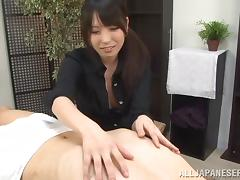 Helpful Japanese secretary gives hand to her exhausted boss tube porn video
