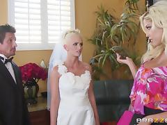 Glorious Bridgette B, Emily Austin And Tommy Gunn Have A FFM tube porn video