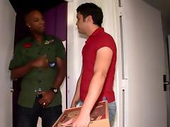 A Black dude fucks a White guy and sucks his cock tube porn video
