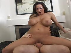 Curvy brunette milf gives a blowjob and gets her pussy banged tube porn video