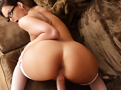 Phoenix Marie & Bill Bailey in House Wife 1 on 1 tube porn video