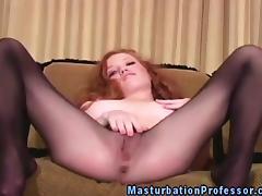 Redhead nylons babe rubs her clit tube porn video