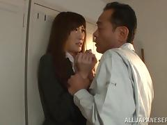 Sexy Asian girl has an orgasm while getting fucked in a locker room tube porn video